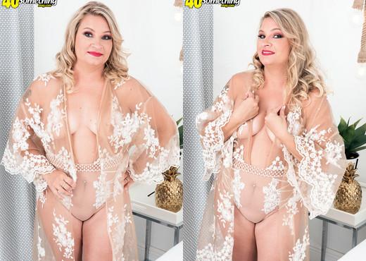 Dakota Madisin - Dakota's first time - 40 Something Mag - MILF Porn Gallery