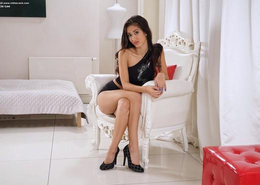 Darcie Lee - InTheCrack - Solo Sexy Gallery