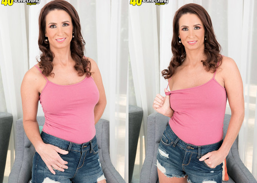 Eliza Kelay - Eliza's first tits, pussy and ass show - MILF Porn Gallery