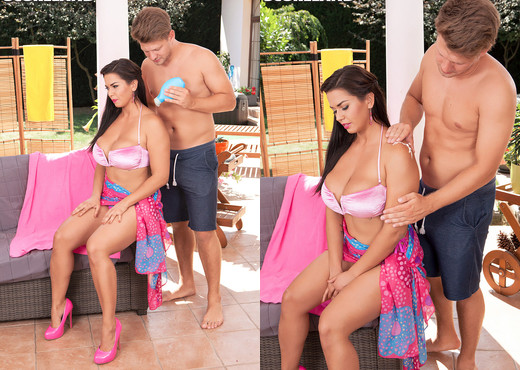 Beautiful Bikini Girl Chloe Lamoure Banged & Creamed - Boobs HD Gallery