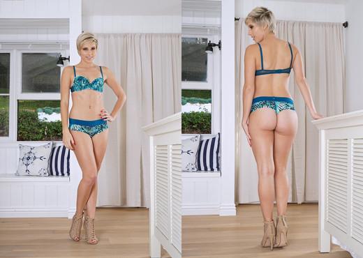 Makenna Blue - InTheCrack - Solo Sexy Gallery