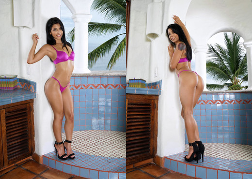 Gina Valentina - InTheCrack - Solo Hot Gallery