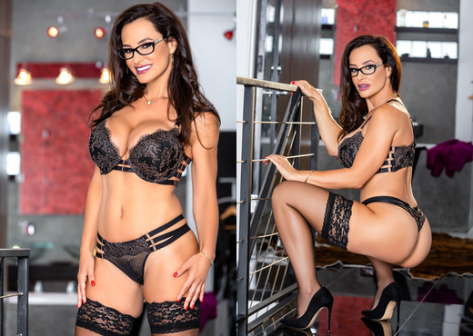 Lisa Ann: Anal Toys, Luxury Buttfuck - Evil Angel - Anal Porn Gallery