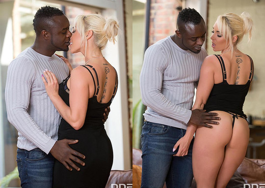 Victoria Summers - Horny Milf's Dick Craving - Blowjob Sexy Photo Gallery