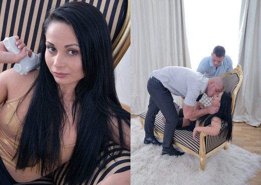 We Like To Suck - Russian hottie enjoys two cocks at once - Blowjob Hot Gallery