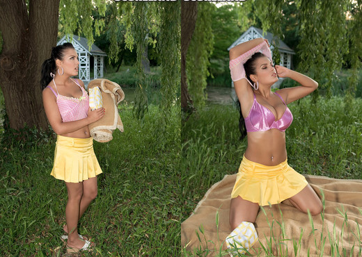 Jasmine Black - Jasmine's Ass Picnic - ScoreLand - Boobs Nude Pics