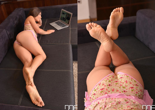 Spanish Girl-Next-Door Babe Fucks and Footjobs Boyfriend - Hardcore Nude Pics
