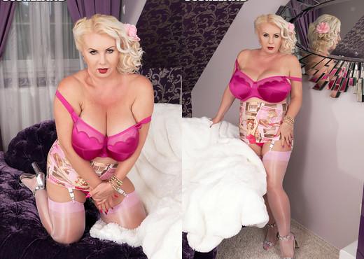 Marissa Kert - Giant Boobs of Switzerland - ScoreLand - Boobs HD Gallery