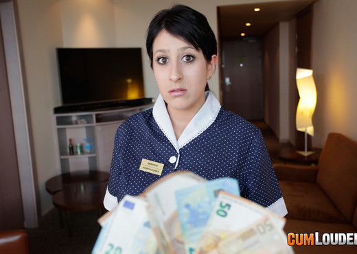Pamela Silva - Sexy hotel housekeeping - CumLouder - Hardcore Hot Gallery