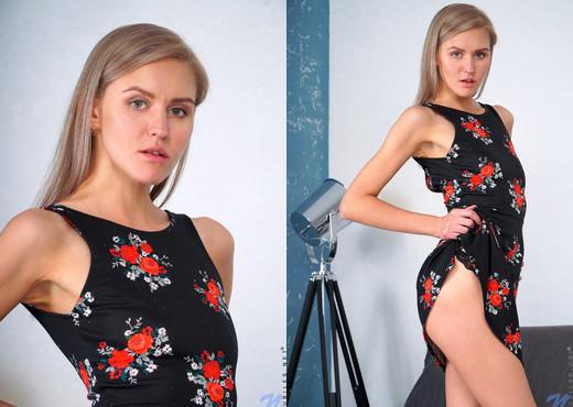 Lona - Russian Rose - Nubiles - Teen Nude Pics