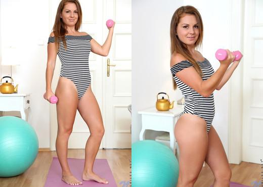 Mila Fox - Foxy Fitness - Nubiles - Teen TGP