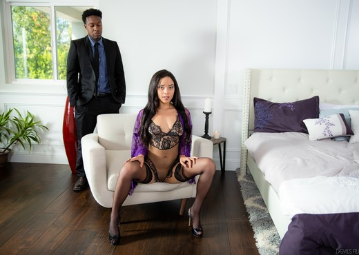 Maya Bijou - Dark Divas #03 - Devil's Film - Interracial Image Gallery