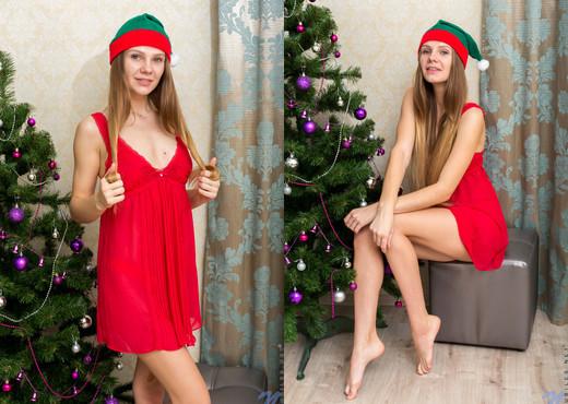 Elina De Leon - All I Want - Nubiles - Teen HD Gallery