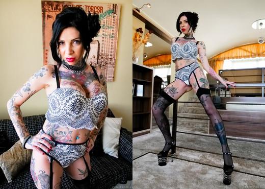 Megan's 4-On-1 Interracial DP Gangbang - Evil Angel - Interracial Sexy Gallery