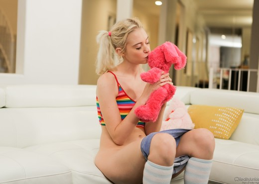 Chloe Cherry - Bad Babysitter - Mile High Media - Hardcore Hot Gallery