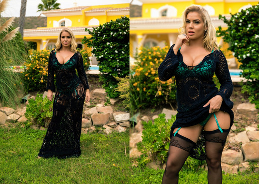 Electra Morgan - Teasing In Turquoise - Hayley's Secrets - Solo Image Gallery