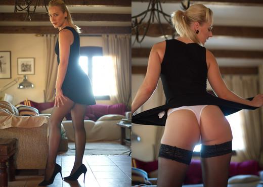 Aston Wilde - Down To Business - Girlfolio - Solo Nude Pics