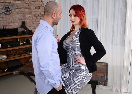 Zara DuRose - The Boss Lady - 21Sextury - Interracial Nude Gallery