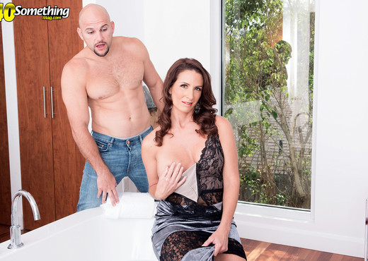 Eliza Kelay - Eliza gets JMac'ed - 40 Something Mag - MILF Picture Gallery