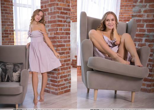 I Love It - Vika P. - Femjoy - Solo Nude Pics