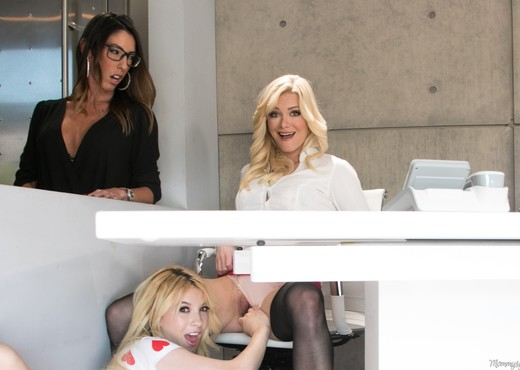 Kenzie Reeves, Dava Foxx, Serene Siren - My Mom And Her Boss - Lesbian Porn Gallery