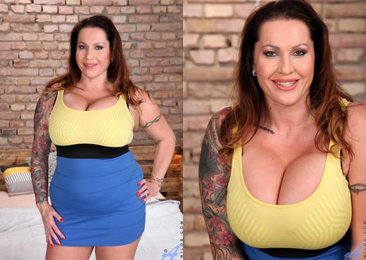 Laura Orsolya - Big Tits - Anilos - MILF Porn Gallery