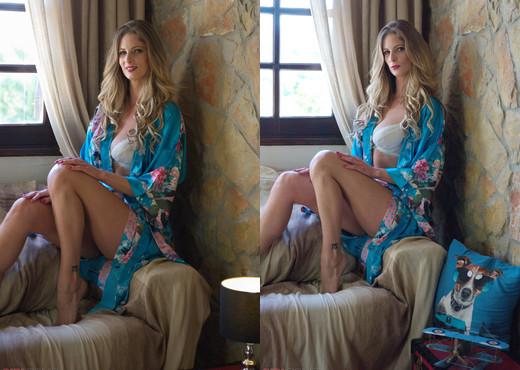 Rebecca Leah - Blondes - Girlfolio - Solo Hot Gallery