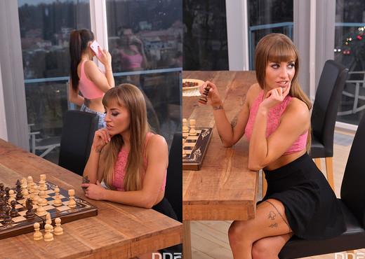 Silvia Dellai, Ashley Woods - Anal Check Mate - Lesbian Porn Gallery