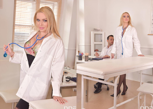 Amber Jayne - Orgasm At The Hospital - Hardcore Picture Gallery