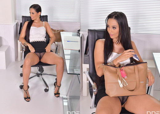 Andreina De Luxe - Back Office Back Door Penetration - Hardcore Sexy Gallery
