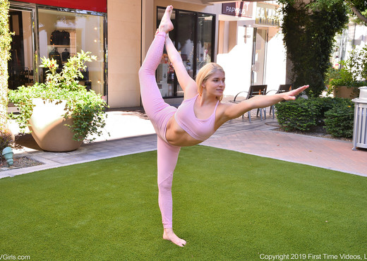 Nikki - Flexible Pink - FTV Girls - Solo HD Gallery