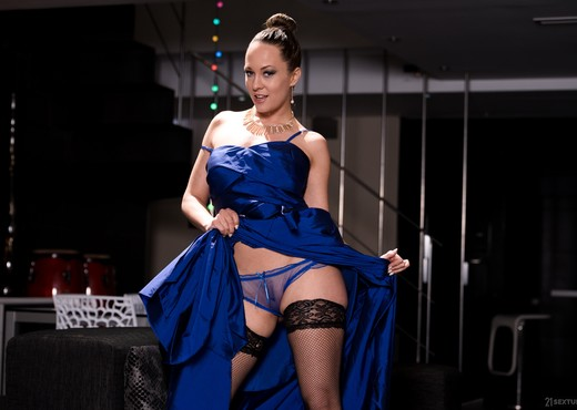 Blue Angel, Gerson - An Angel In Blue: Tempted & Caught - Hardcore Sexy Gallery
