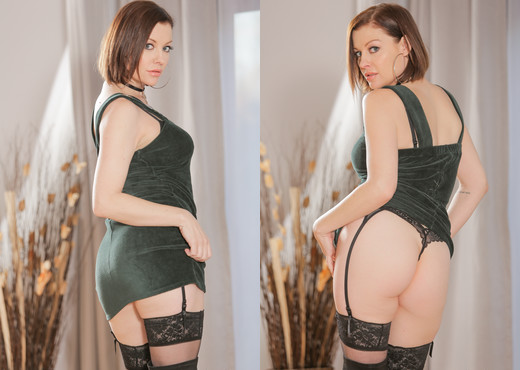 Sovereign Syre - My Father's Girlfriend - Mile High Media - Hardcore Sexy Photo Gallery