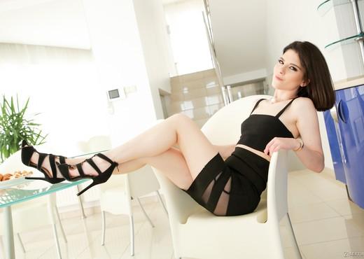 Sara Bell, Vince Carter - Horny Italiana - 21Sextury - Anal Porn Gallery
