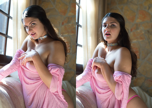 Francesca Dicaprio - Pink Gin - Girlfolio - Solo Image Gallery