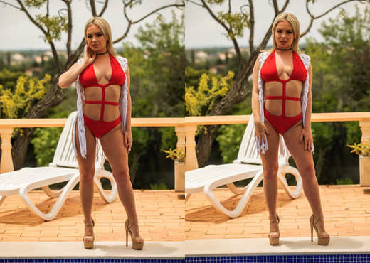 Sara Louise - Out By The Pool - Hayley's Secrets - Solo Nude Gallery