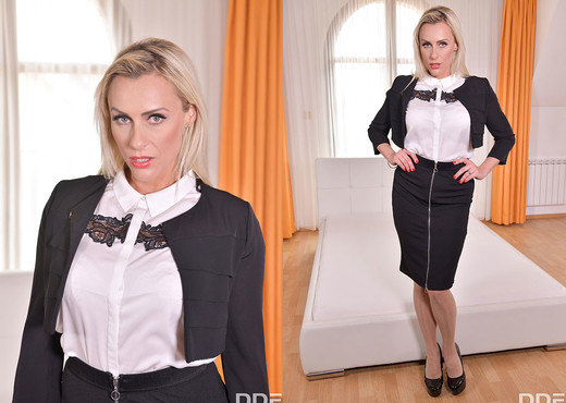 Brittany Bardot - Milf's Lesson in BDSM - Hardcore Image Gallery
