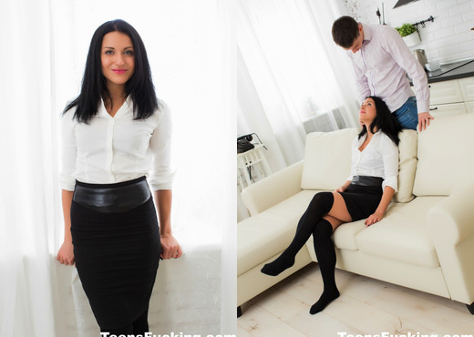 Black-haired beauty Jessica gets pounded on the couch - Teen Porn Gallery