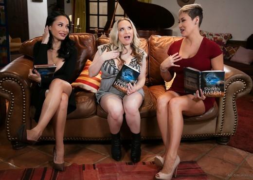 MILF Book Club Massage - Fantasy Massage - Lesbian Nude Pics