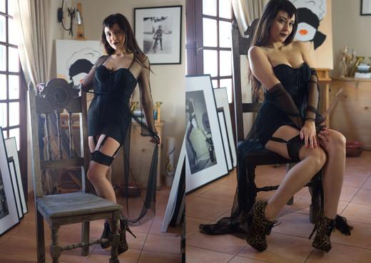 Sophia Jade - Fetish Muse - Girlfolio - Solo Nude Pics