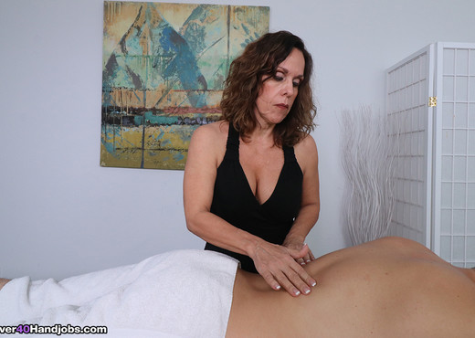 Orgasm control with Mrs. Candi - Over 40 Handjobs - MILF Porn Gallery
