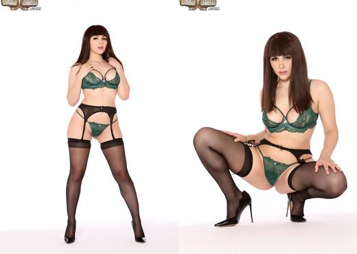 Valentina Nappi - Cuckold Sessions - Interracial Porn Gallery