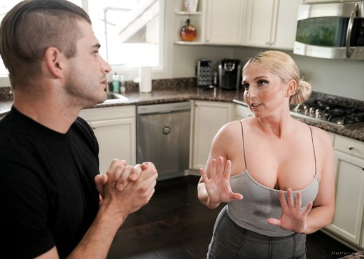 Christie Stevens - Mother-In-Law's Advice - Fantasy Massage - MILF Image Gallery