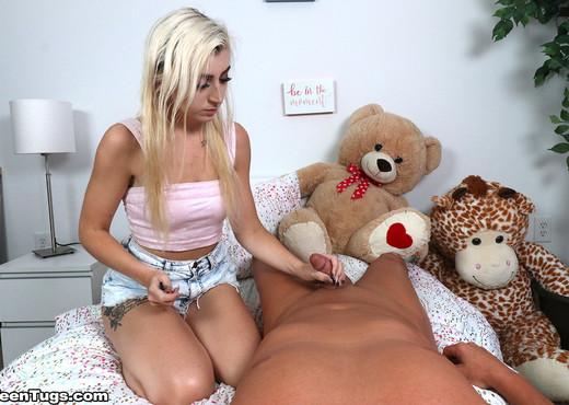 Cameron Minx - Vape Handjob - Teen Tugs - Teen Nude Gallery