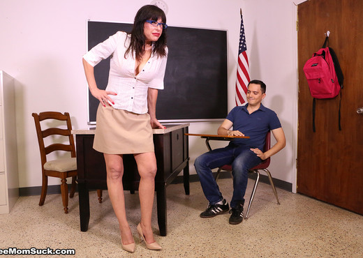 He Got Disciplined: Heather Austin - See Moms Suck - Blowjob TGP