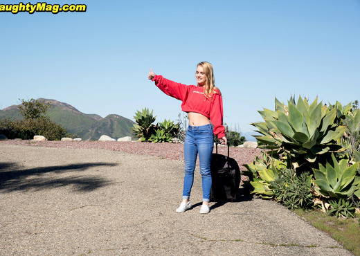 Natalie Knight - Give Her A Ride! - Naughty Mag - Amateur Picture Gallery