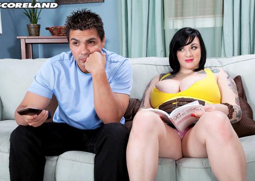 Scarlet LaVey - Sports Or Big Tits? - ScoreLand - Boobs Nude Pics