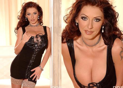Merilyn Sekova - Big Tittie Effect - Boobs Hot Gallery