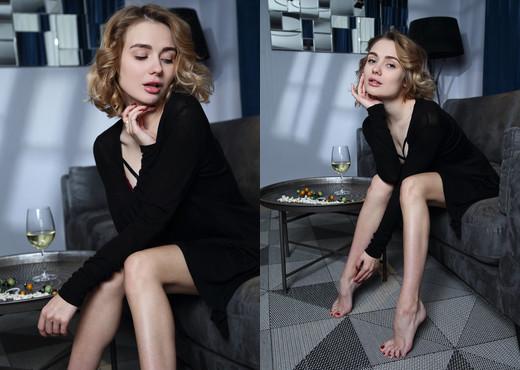 Be Mine - Katy G. - Femjoy - Solo Hot Gallery