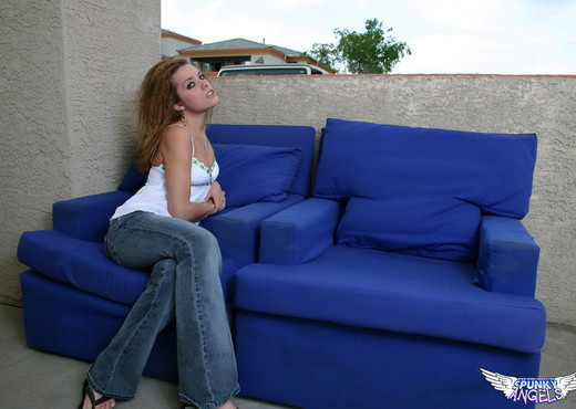 Serena - Relaxing Outside - SpunkyAngels - Solo Sexy Gallery